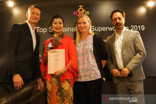 Dirkeu BPJS-TK raih Asia's Top Sustainability Superwomen di Singapura