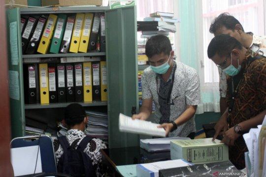 Polisi tahan empat tersangka kasus dugaan korupsi RSUD Padang