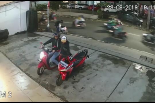Polisi buru pencuri sepeda motor terekam CCTV di Kebon Jeruk