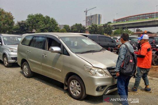 Pasar mobil bekas stabil, Auksi tambah gerai lelang