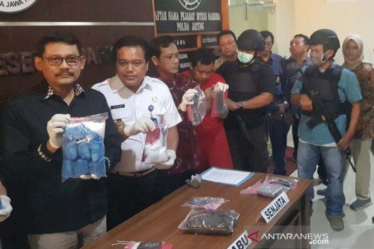 Polda Jateng amankan 2,2 kg sabu-sabu dari jaringan pengedar di Solo