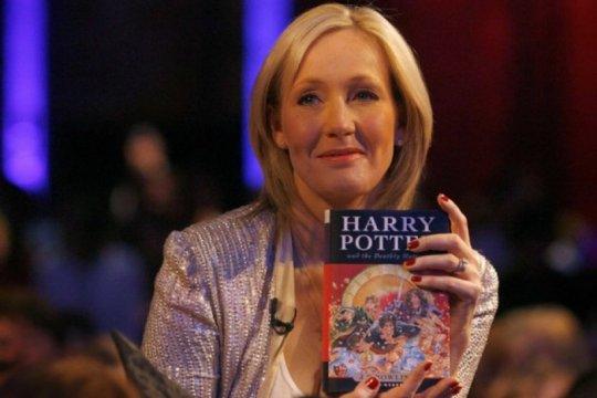 J.K. Rowling sumbang 18,8 juta dolar AS untuk penelitian MS
