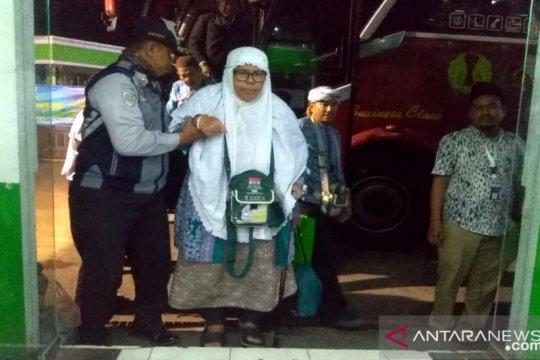 448 jamaah haji  Jambi sudah tiba di daerah asal