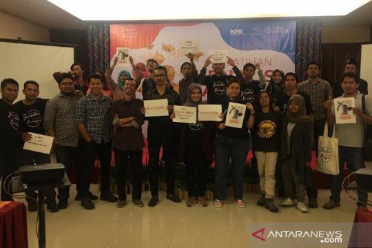 Jurnalis-Koalisi Masyarakat Sipil NTB tolak revisi UU KPK