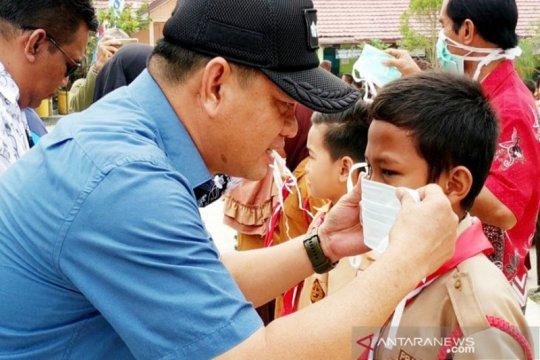 Pemkab Kotawaringin Timur bagikan ribuan masker untuk  pelajar
