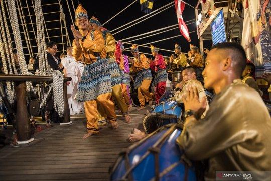 Taruna AAL kenalkan kesenian Indonesia di Shanghai