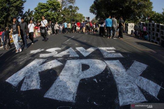 Hoaks, Hakim MK yang memenangkan Jokowi kena OTT KPK