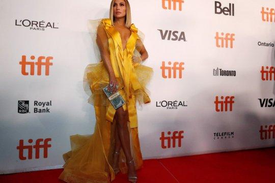 "Malaysia larang film Jennifer Lopez ""Hustlers"""