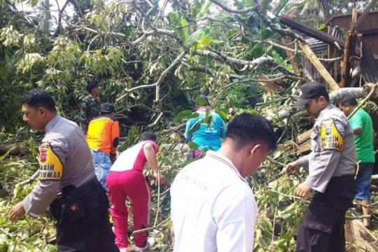 BPBD Solok Selatan catat 88 bangunan terdampak puting-beliung