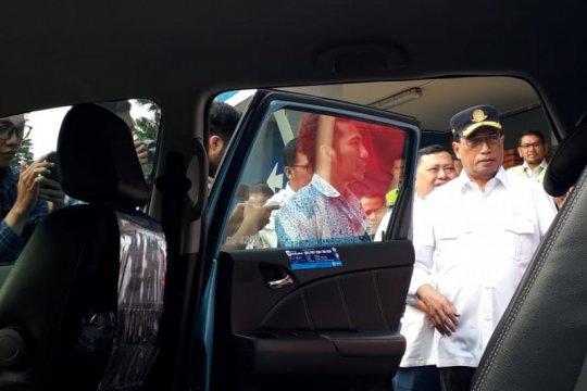 Menhub gunakan kendaraan taksi elektrik menuju Jakarta