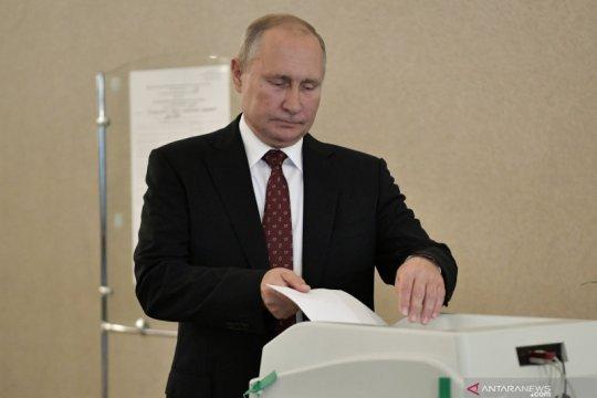 Pemungutan suara perpanjangan kekuasaan Presiden Putin dimulai