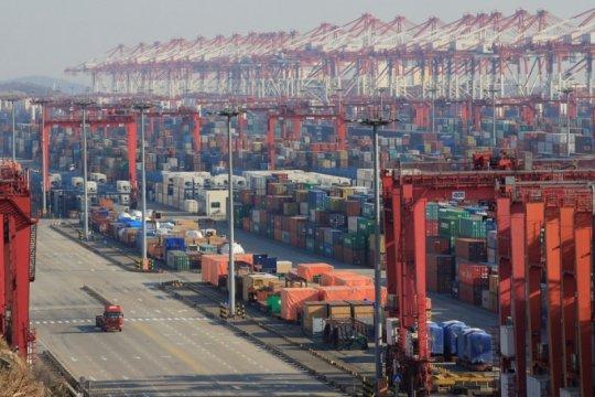 Ekspor China naik 2,6 persen pada Agustus, impor turun 2,6 persen