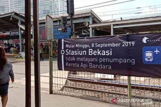 Penumpang kereta Bekasi minta buka kembali jalur bandara