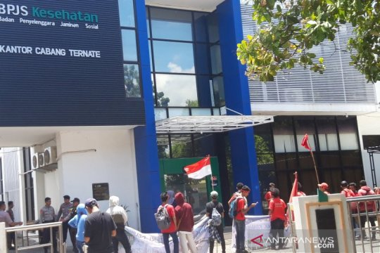 Elemen di Ternate demo tolak kenaikan iuran BPJS