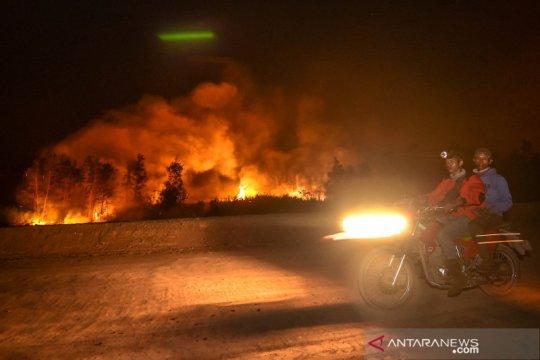 """1.211 titik panas Karhutla """"kepung"""" Sumatera"""
