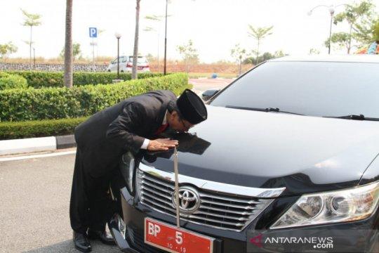 Mantan Pimpinan DPRD Kepri langsung kembalikan mobil dinas