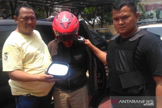 Polisi bekuk residivis pencuri kaca spion