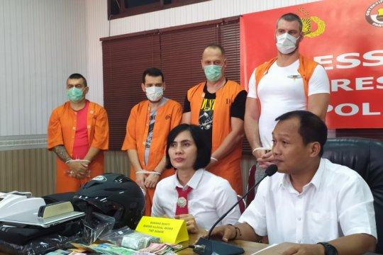 Polda Bali ungkap kasus ilegal akses empat warga Bulgaria