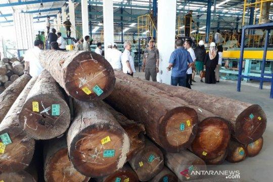 Sekda peringatkan perusahaan di Kalteng jaga hubungan industrial
