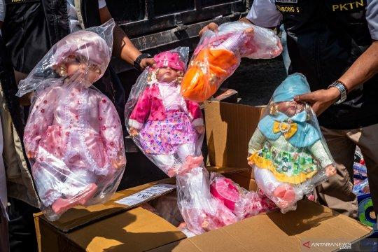 Pemusnahan barang impor ilegal