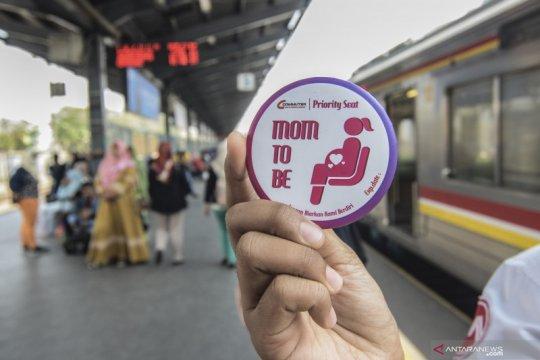 Pin khusus ibu hamil agar dapat kursi prioritas di KRL