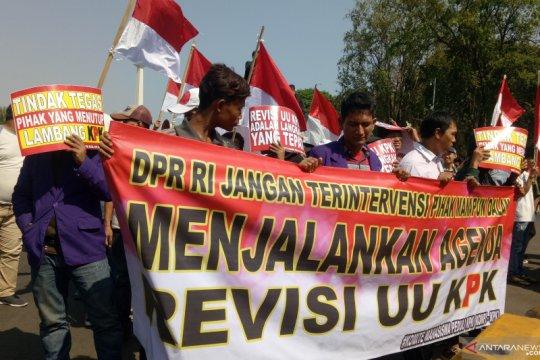 Kompi KPK lakukan aksi demo dukung DPR RI revisi UU KPK