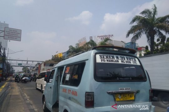 Kasudin Perhubungan Jakut sebut transportasi umum nyaman tanpa mandek