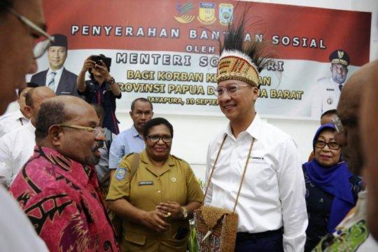 Mensos salurkan Rp7,3 miliar untuk Papua dan Papua Barat