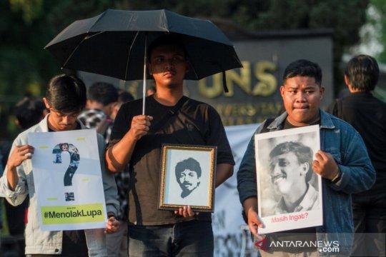 Mahasiswa UNS peringati kematian aktivis Munir