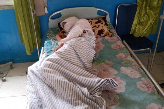 Tiga siswi SMA 1 Sukadana dilarikan ke puskesmas karena kabut asap