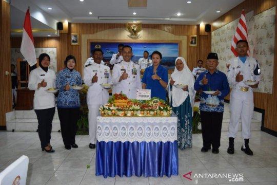 """Danlanal Palembang beri penghargaan penangkap """"baby lobster"""""""