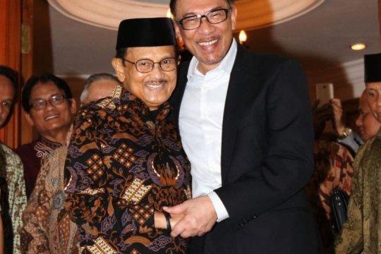 Anwar Ibrahim anggap BJ Habibie sebagai keluarga