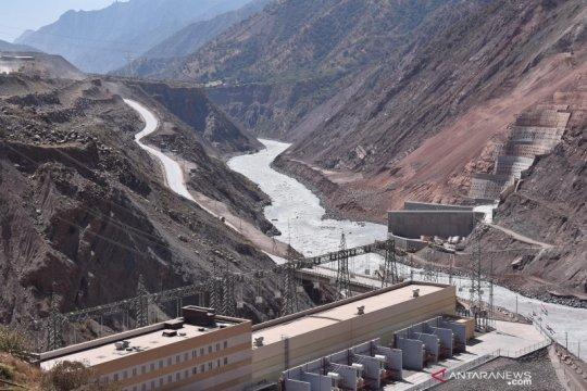 Tajikistan, mengukir harapan pada aliran sungai