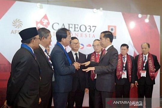 Jokowi minta insinyur ASEAN bentengi kawasan dari resesi ekonomi