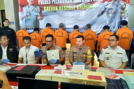 Polres Pelabuhan Tanjung Priok mengungkap jaringan pemalsuan KIR
