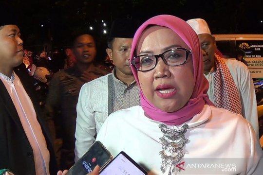BJ Habibie wafat, Bupati Bogor kibarkan bendera setengah tiang