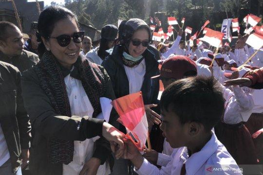 Menteri BUMN dorong nasabah Mekaar naik kelas