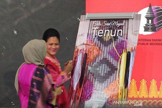 Ibu Negara hadiri pembukaan Pameran Kriya Nusa 2019