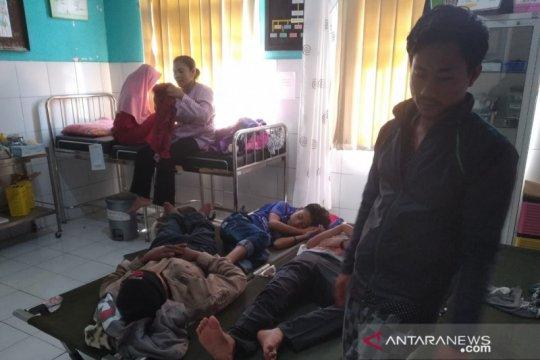 Puluhan warga Kampung Pangkalan Sukabumi keracunan nasi uduk