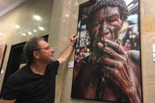 Fotografer Rusia abadikan tradisi Indonesia lewat bidikan kamera
