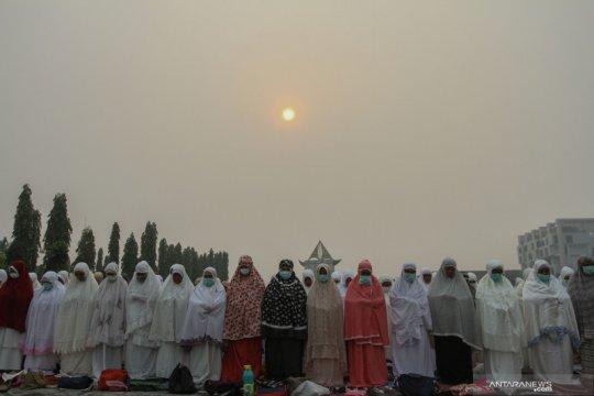 Kabut asap Karhutla kian pekat, Gubernur Riau pilih tugas ke Thailand