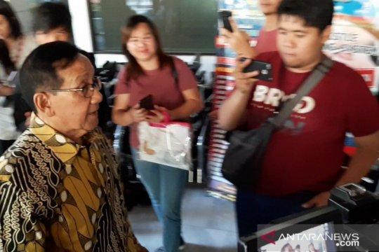 Akbar Tanjung ajak seluruh rakyat Indonesia doakan Habibie