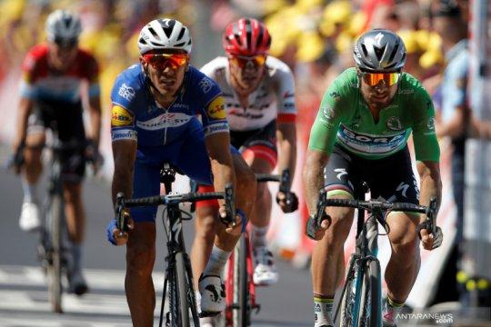 Gilbert juarai etape 17, Quintana perbaiki posisinya di klasemen umum