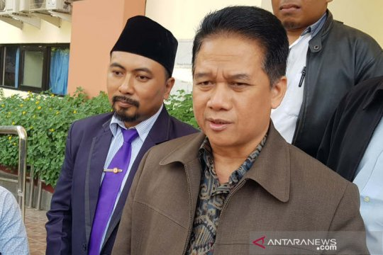 Rektor Undip irit komentar usai sidang gugatan Suteki
