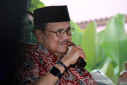 BJ Habibie Wafat - Wabup Kepulauan Seribu sebut sosok inspiratif