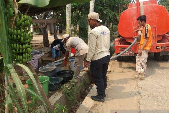 BPBD Dharmasraya distribusikan air ke wilayah terdampak kekeringan
