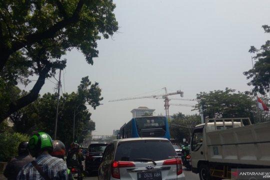 Hujan diperkirakan tak turun di Jakarta, Minggu .