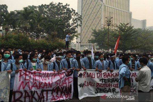Tanggapi karhutla, mahasiswa Fisip Universitas Riau gelar demonstrasi