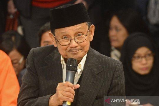 Ahok: Masyarakat Indonesia tidak akan lupa karya BJ Habibie