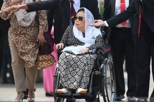BJ Habibie wafat : Ibu Sinta Nuriyah Wahid hadiri pemakaman